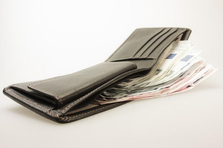 money-494160_1280