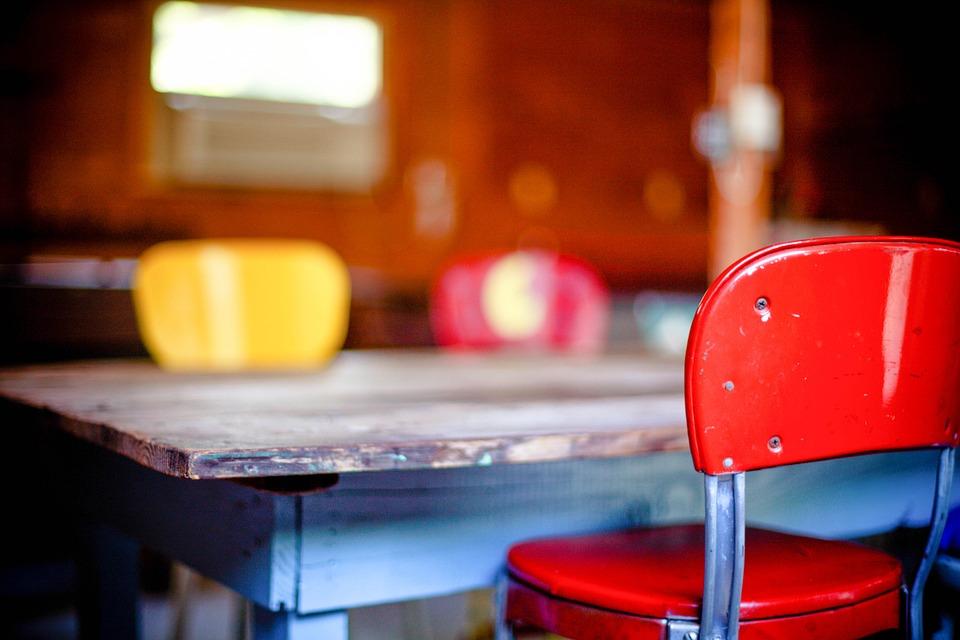 kitchen-table-349702_960_720