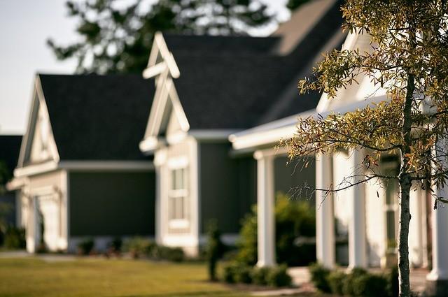 houses-691586_640