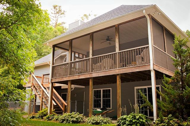 back-porch-670293_640