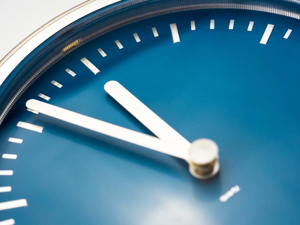 clock-946383_960_720