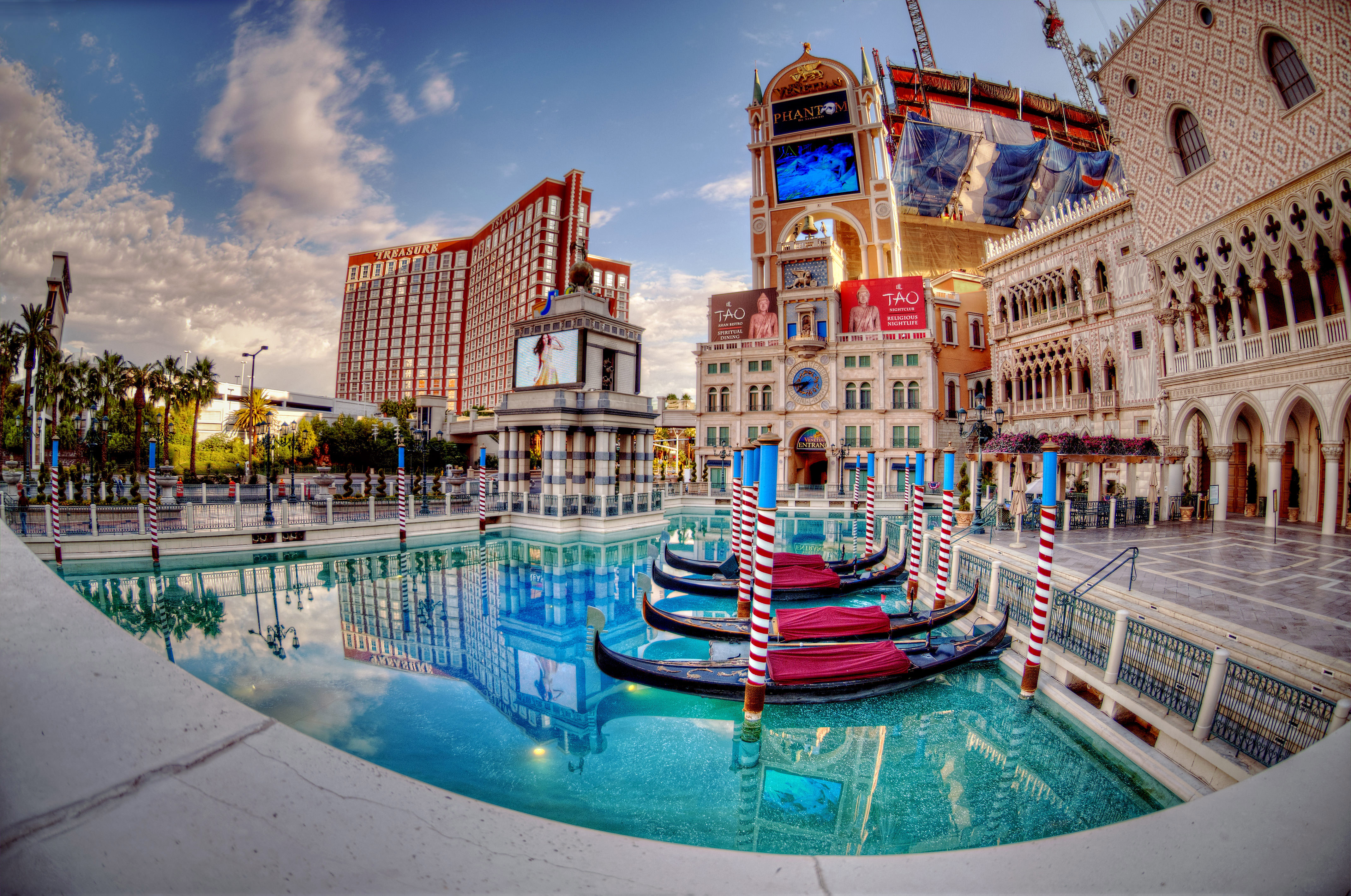 resorts-and-hotels-in-las-vegas